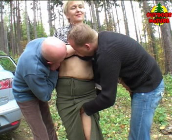 This housewife has sex in the forest