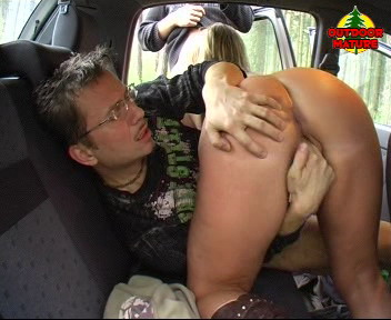 Two men have fun with a mature outdoor nympho