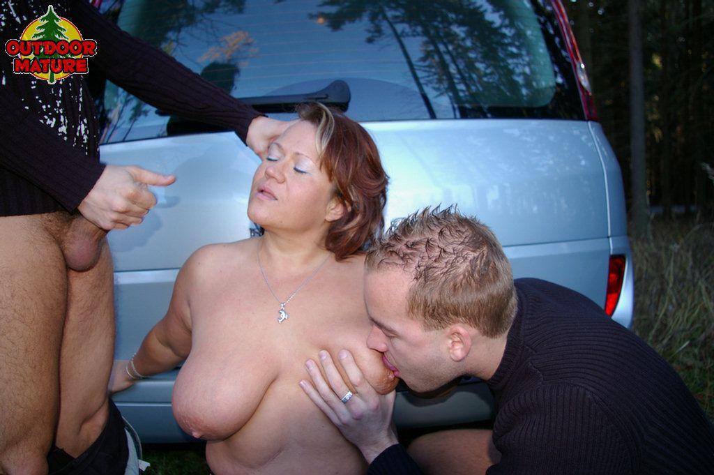 Private threesome amateur